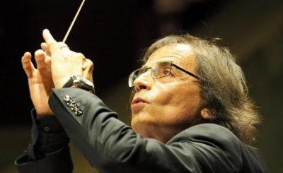 Pascal Emonet, dirigeant son orchestre