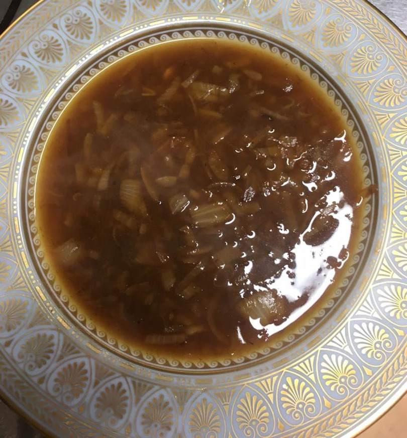 La soupe à l'oignon de Guy Martin, chef étoilé du Grand Véfour (Paris)